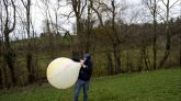 Marble-balloon-blow-to-pop
