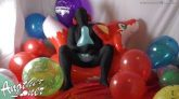 Inflatable-World-Fox-Balloon-Popping-Ses-25-Vid-1