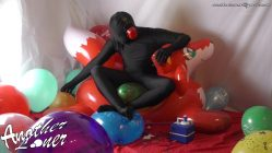Inflatable-World-Fox-Balloon-Sit-Popping-Ses-25-Vid-2