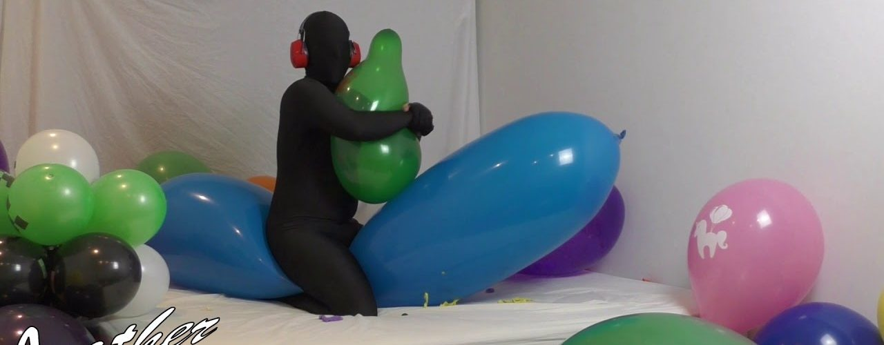 Pop-Furry-Print-on-GL1200-Giant-Balloon-Ses-30-Vid-3