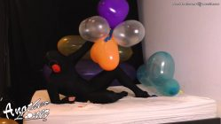 Bouncing-and-Jumping-on-Balloon-Heart-ClusterSes-34-Vid-3