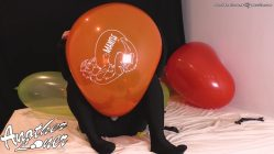 Non-Pop-Playing-with-Feet-on-Balloons-and-Relaxing-Ses-36-Vid-4